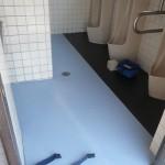 床タイルの上に塩ビシートの施工