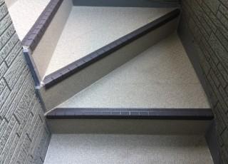 アパート 階段 防滑シート張り